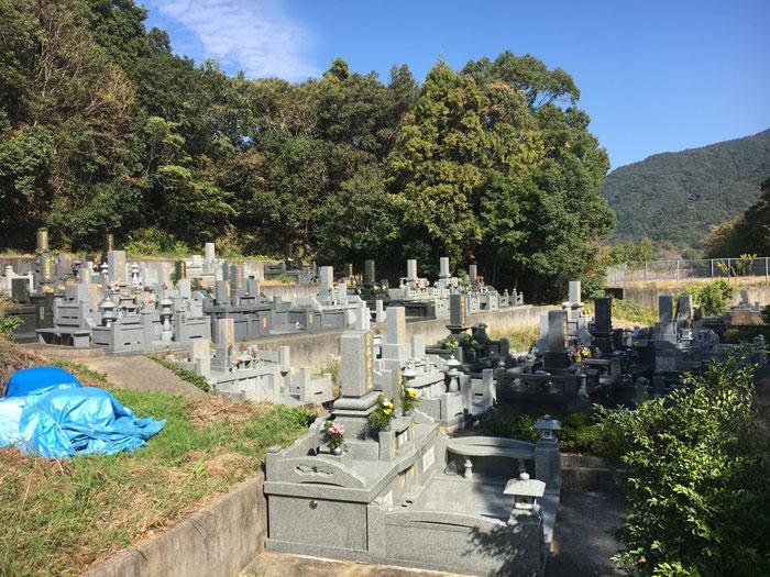 正覚寺境内墓地